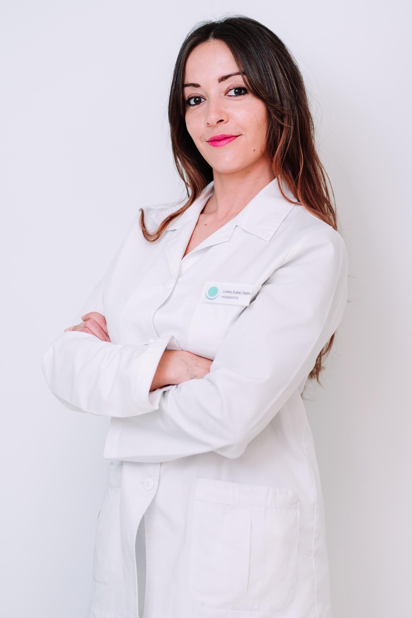 Dña. Lara Suárez